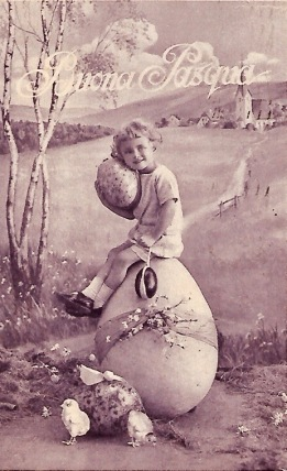 Girl sitting on Easter egg. Vintage Italian post card. 1928 (USPD. Artist life, pub.date/COmmons.wikimedia.org)