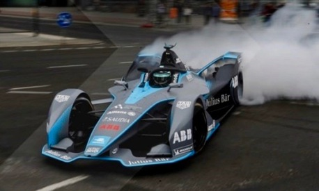 Formula E car. Electric race car. (screenshot FIAFormulae.com)