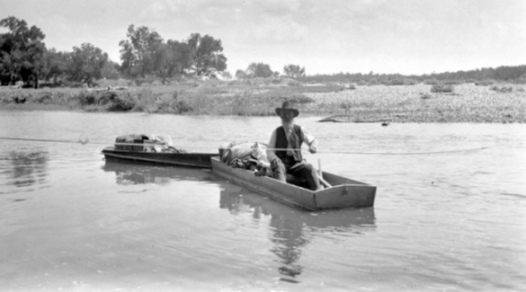 Old man in boat. (USPD, artist life, released into public domain by UH/Commons.wikimedia.org