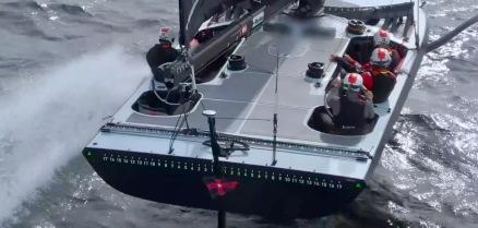 Crew on racing sailboat deck. (Image: Screenshot The Sailing Show)