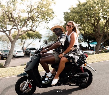 Couple on scooter (Screenshot Image Twitter)