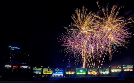 Fireworks over baseball field. (Image: Sugar Land FB/Photographer's Learning Studio)
