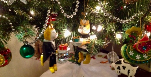 Gentle reminders to Staff by RC Cat that there are expectations even during the Kiss-mess season.(Formally dressed cat servants and other Christmas ornaments on lower branches ( image: all rights reserved, copyrighted, NO permissions granted )