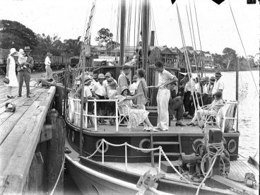Elegant people boarding sailboat, 1929. Hood COllection/Australian NAt. Museum/ USPD. pub.date, artist life/Commons.wikimedia.org)