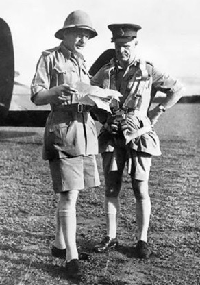 Two military officers reading papers (USPD. CR expired. pub.date.released. Australian War Memorial./Brooke-Popham & Wavell./Commons.wikimedia.org)